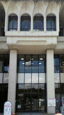市役所東玄関