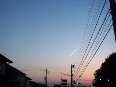 100516飛行機雲.jpg